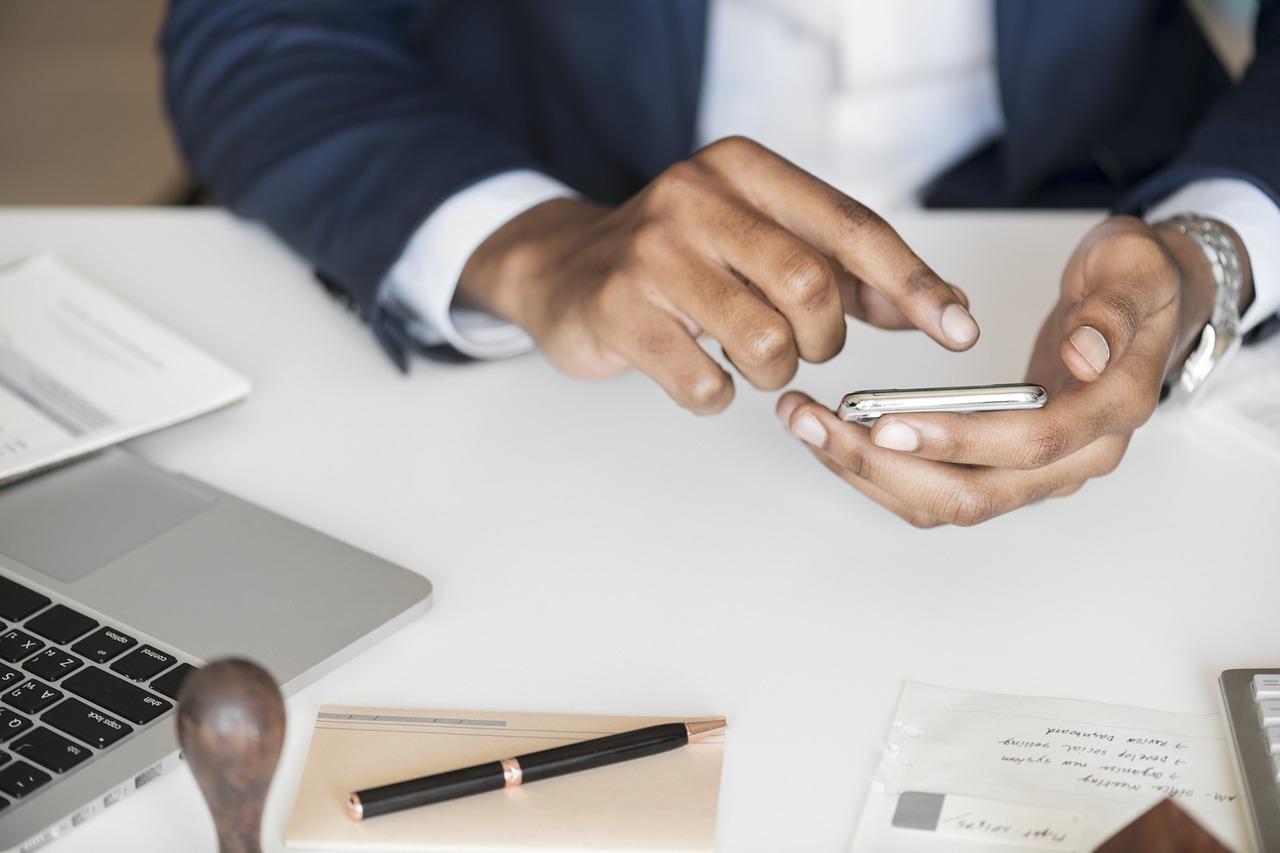 business man online banking